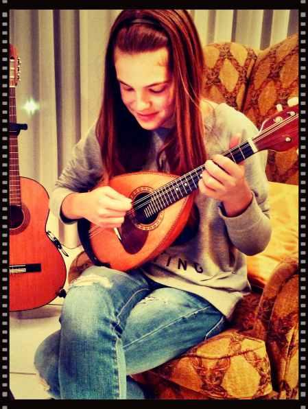 Mandolin Lesson Alexandra