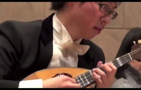 Zigeunerweisen / Izumi Toru (Mandolin) , Fujii Yumi (pf)
