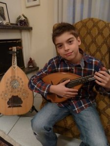 Mandolin Lessons - Panos Rizos, the mandolin student