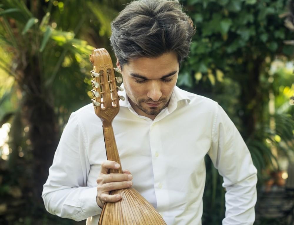 Julien Martineau – A mandolin virtuoso from France (DB63)